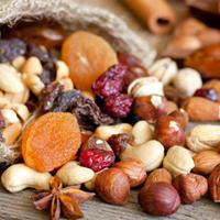אגוזים ופירות יבשים